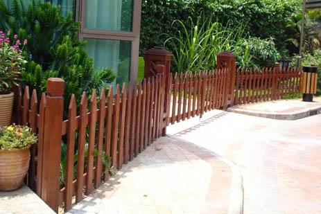 防腐木栅栏 上一产品:小区防腐木隔离栅栏